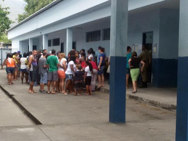 Eleitores não conseguiram votar no Conselho Tutelar em Bangu (Foto: Henrique de Magalhães / Arquivo pessoal)