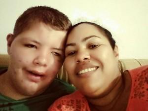 Murilo com a mãe Marta (Foto: Arquivo pessoal)