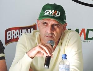 técnico Operário-PR Itamar Schulle (Foto: Nicoly França/Operário-PR)