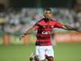 Flamengo faz proposta a Marinho e aguarda definição do Vitória