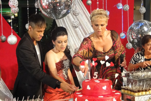 Neymar surpreende aniversariante no TV Xuxa (Foto: TV Globo/ TV Xuxa)