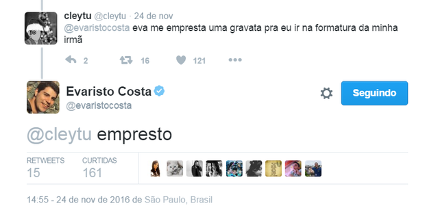 Evaristo Costa empresta gravata para seguidor no Twitter (Foto: Reprodução/Twitter)