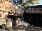 Colisão entre caminhão e carreta deixa um morto na AL-101 Sul