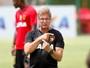 Defesa em baixa do Sport preocupa  o técnico Oswaldo de Oliveira