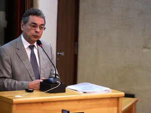 Obery Rodrigues fez apresentação sobre finanças do Estado (Foto: Demis Roussos)