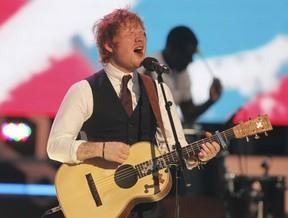 Ed Sheeran se apresenta em prêmio de música em Toronto, no Canadá (Foto: Fred Thornhill/ Reuters)