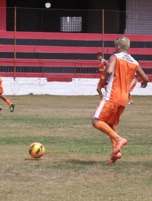 Bismarck, meia Campinense, treino de sábado no Renatão (Foto: Silas Batista / Globoesporte.com/pb)
