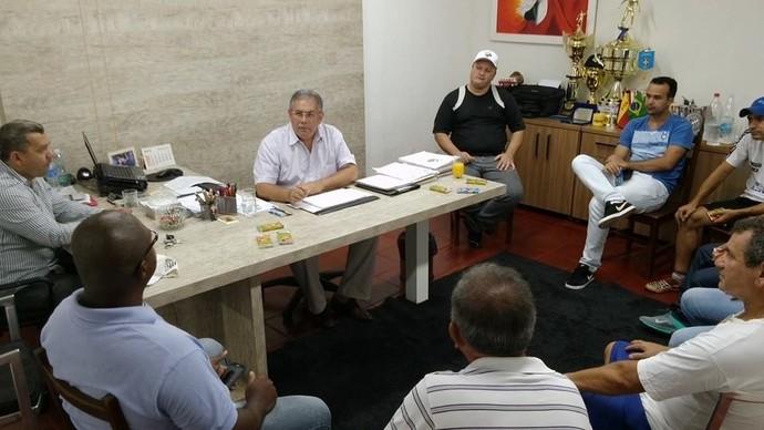 Reunião da diretoria do Operário-MS (Foto: Divulgação/Operário-MS)