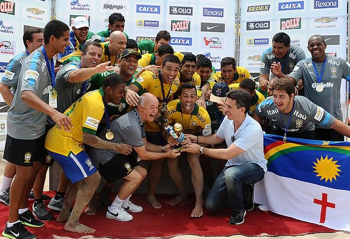 Seleção brasileira de futebol de areia conquista o decacampeonato invicto na Copa América (Foto: Armando Artoni)