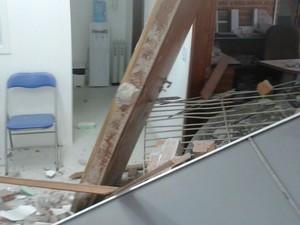 Paredes de consultório ficaram destruídas após invasão de carro em Porto Alegre (Foto: Arquivo Pessoal)