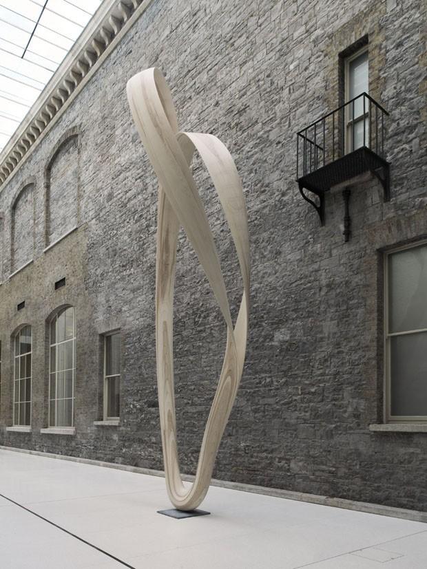 Os móveis-escultura de Joseph Walsh (Foto: Roy Hewson)