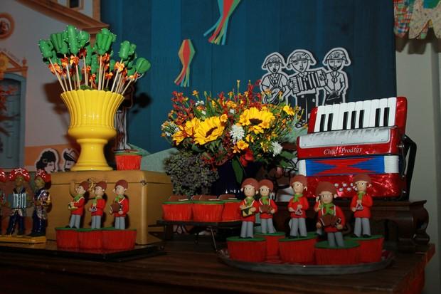 Decoração da festa junina de Karina Bacchi  (Foto: Amauri Nehn/Brazil News)