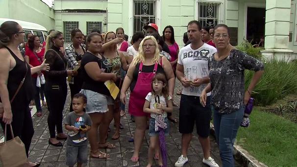 Trabalhadores de São Vicente entram em greve (Foto: Reprodução/TV Tribuna)