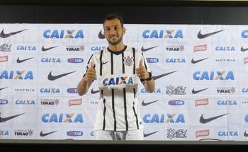 Edu Dracena Corinthians (Foto: Carlos Augusto Ferrari)