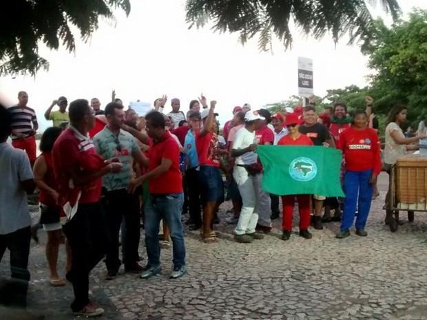 Protesto pró-governo Dilma Rousseff na cidade de Juazeiro, região norte da Bahia (Foto: Priscila Borges/TV São Francisco)