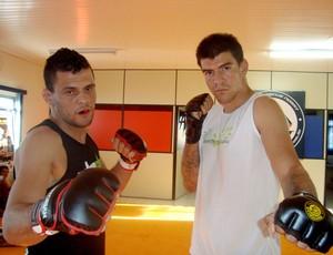 Ângelo Murilo  e Renan Fett, lutadores de MMA, que disputarão o Predador Fight (Foto: Divulgação)