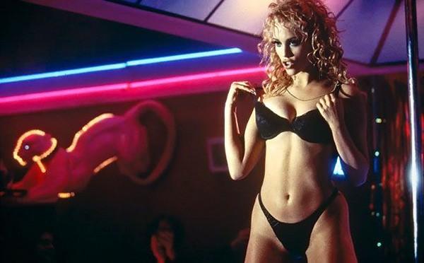 Elizabeth Berkley – Showgirls (1995) (Foto: Divulgação)