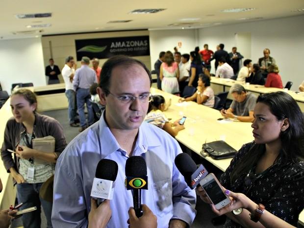 Seduc anunciou que contratará através psicológos e nutricionistas para unidades (Foto: Adneison Severiano/G1 AM)