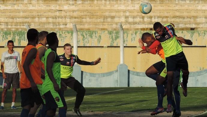 Treino do Grêmio Prudente no Prudentão (Foto: João Paulo Tilio / GloboEsporte.com)