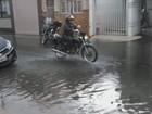Chuva forte causa alagamentos em diversos pontos de Rio Claro, SP