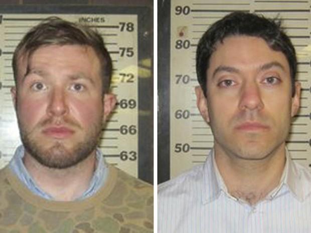 Os produtores da CNN Connor Fieldman Boals (esq.) e Yon Pomrenze, presos na terça-feira (25) enquanto tentavam invadir as dependências do World Trade Center, em Nova York, para expor falhas na segurança do prédio ainda em construção (Foto: Reuters/Port Authority of New York)