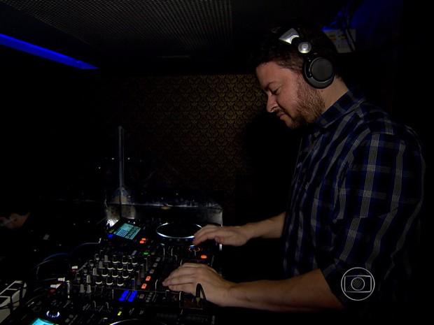 DJ tocou durante revisão para o Enem, em Belo Horizonte.  (Foto: Reprodução/ TV Globo)