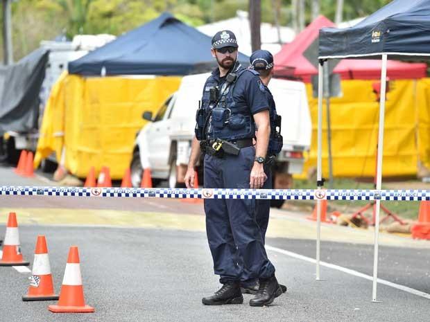 Polícia isola parte do quarteirão onde crianças foram mortas. (Foto: Peter Parks / AFP Photo)