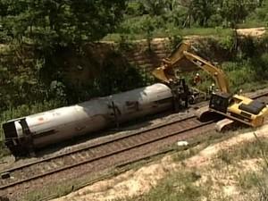 Trem da Vale descarrila e obstrui Ferrovia Carajás em Buriticupu, MA (Foto: Reprodução/TV Mirante)