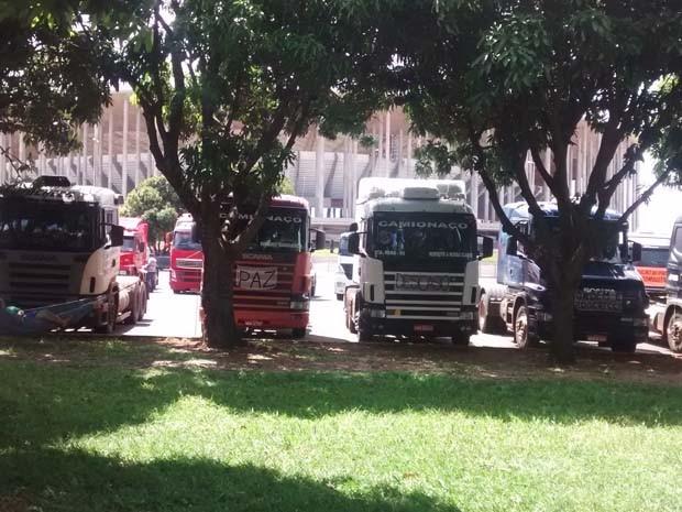 Resultado de imagem para protesto de caminhoneiros df