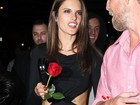 Alessandra Ambrósio usa vestido curtinho para comemorar aniversário