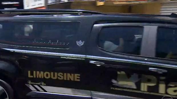 Comboio que leva o corpo de Domingos Montagner (Foto: Reprodução/ Globo)