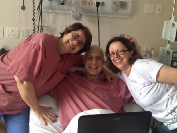 """Mãe e madrinha de Gabriel mostram sorrisos perante a notícia da """"pega"""" da medula (Foto: Gabriel Massote/Arquivo Pessoal)"""