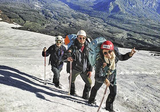 Subida ao topo do vulcão Villarica, na região do Vale Central  (Foto: © Max Fercondini)
