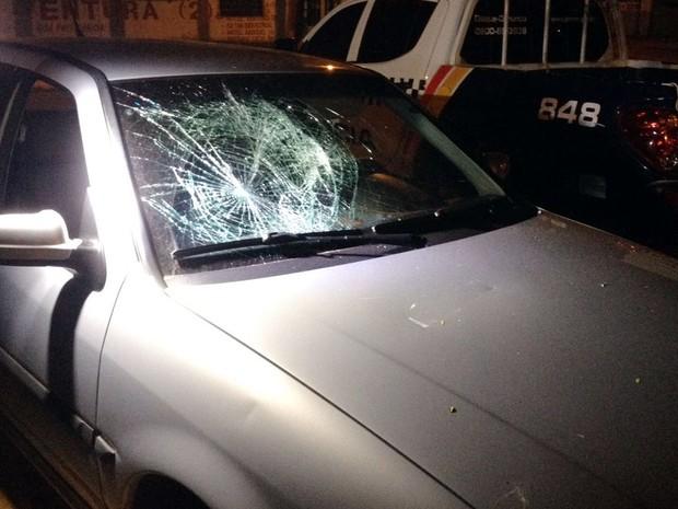 Mulher não aceitava o fim do relacionamento e destruiu carro de amigo do ex-namorado em Sorriso (Foto: Rafael Sousa/Portal Sorriso)