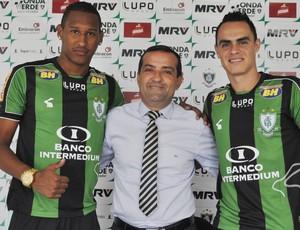 Artur, Anderson Racilan e Victor Rangel, do América-MG (Foto: Divulgação/AFC)