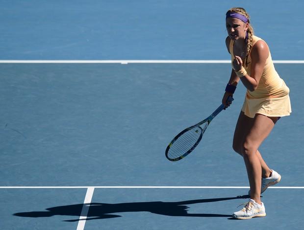 Victoria Azarenka vibra muito após a vitória sobre Stephens (Foto: AFP)