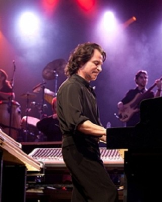 Yanni (Foto: Site Oficial/Yanni Wake Entertainment)