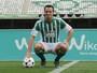 """Damião é apresentado no Betis, ganha camisa 12 e promete """"gols e trabalho"""""""
