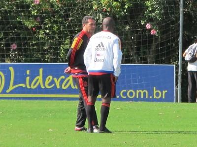 Luxemburgo e Armero em SC (Foto: Gustavo Rotstein/ GloboEsporte.com)