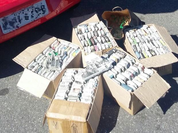 Surfista é preso com mais de 600 tubos de lança-perfume