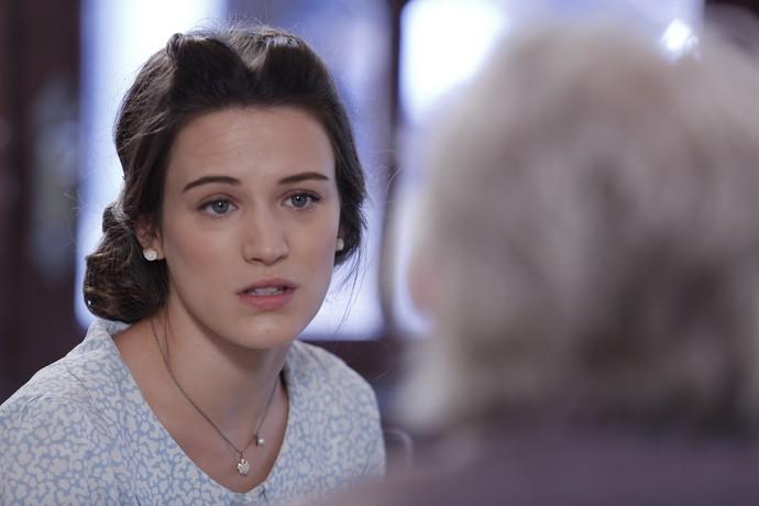 Maria conta tudo o que sabe sobre a história de Anastácia.  (Foto: Pedro Carrilho/Gshow)