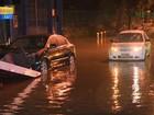 Chuva causa alagamentos e queda de árvore em Porto Alegre