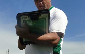 Técnico do Nacional elogia jovens do clube e espera jogadores experientes