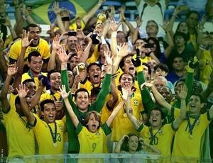 jogadores brasil troféu final copa das confederações (Foto: André Durão / Globoesporte.com)