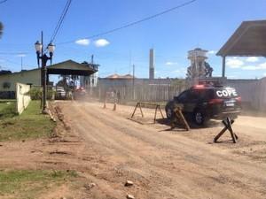 Situação continua tensa na penitenciária (Foto: Adriano Cordeiro/RPC TV)