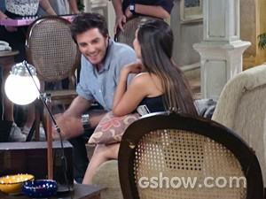 Martin não perde tempo e dá cima de outra garota  (Foto: Malhação / TV Globo)