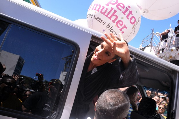 Ivete Sangalo chega ao seu trio em Salvador (Foto: Joilson César/Ag Haack)