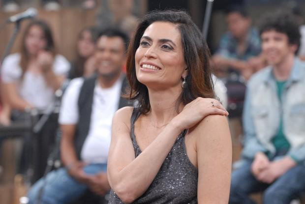 Giuliana Morrone vai apresentar o Jornal Hoje durante o mês de janeiro (Foto: Globo/Zé Paulo Cardeal)
