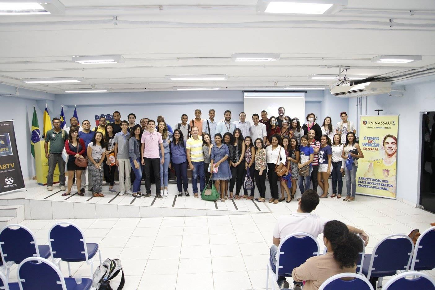 """Livro """"ABTV - Fazendo História"""" é lançado em faculdade do Recife, PE (Foto: Reprodução/ Facebook)"""