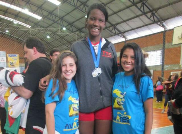 Jéssica Santos voleibol infantil Tijuca (Foto: Reprodução Facebook)